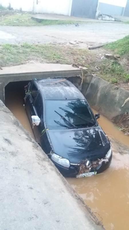 Fuerte temporal causó inundaciones y deslizamiento de tierra en Camboriú