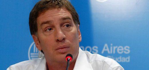 """""""El que viene a hacer daño, matar o robar no puede quedarse en nuestro país"""", aseguró Diego Santilli, vicejefe de Gobierno porteño"""