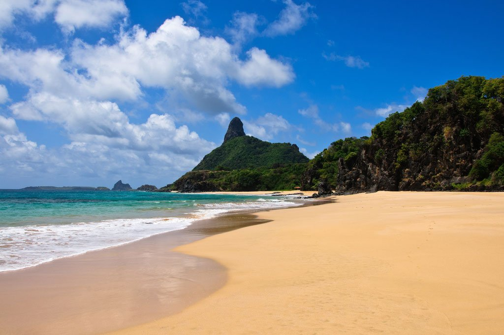 Se siente la ausencia de argentinos en las playas de Chile y Uruguay, Brasil todavía sigue siendo más elegido