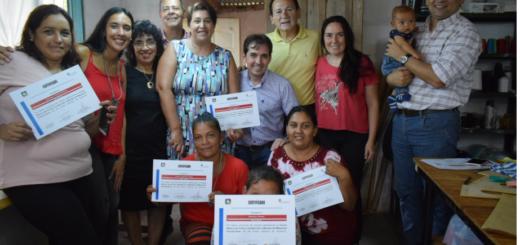 Posadas: Losada distinguió a emprendedoras textiles del barrio El Porvenir I