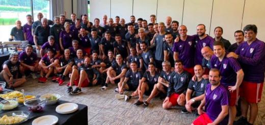 El plantel de River homenajeó a Rodrigo Mora tras el anuncio de su retiro del fútbol