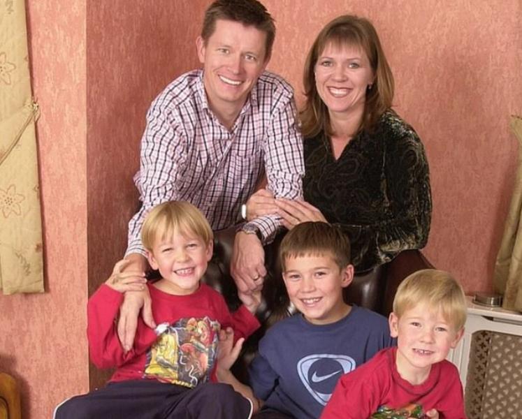 Luego de 20 años descubrió que no era el padre biológico de sus  hijos: demandó a su ex esposa por 300 mil dólares