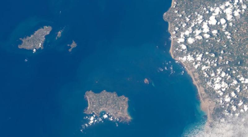 """Desaparición del avión del jugador argentino: las Islas del Canal de la Mancha son conocidas como """"zona de navegación peligrosa"""""""