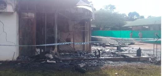 Estiman que fue un intento de detonar el cajero para robar lo que terminó incendiando el local de Iguazú Argentina