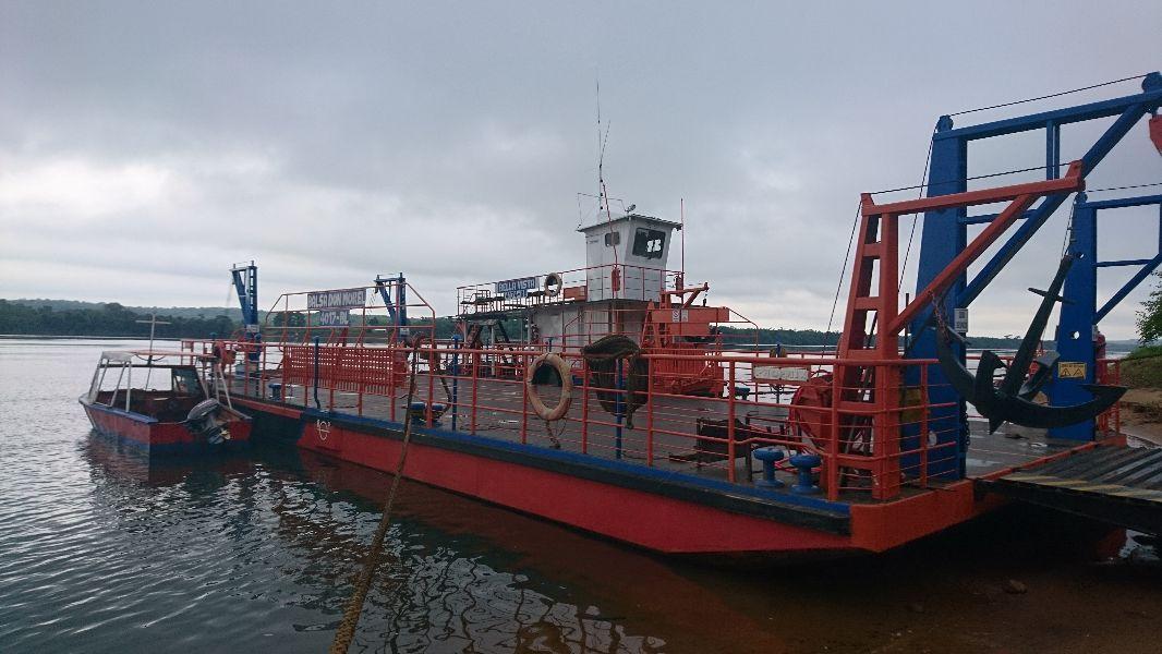 Aseguran que siempre están garantizadas las condiciones de seguridad en cruces por balsa en el río Paraná