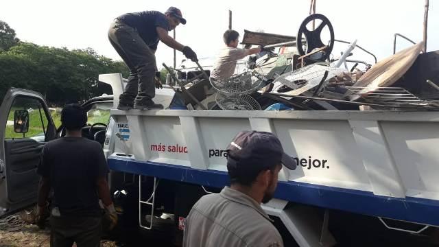 Dengue: realizan operativos de descacharrización en Villa Cabello