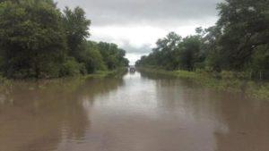 Más de 7.600 personas continúan evacuadas por las inundaciones en cinco provincias del país