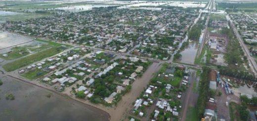 Por las inundaciones, ya son más de 7500 los evacuados en cuatro provincias y todo un pueblo de Santa Fe quedó bajo el agua