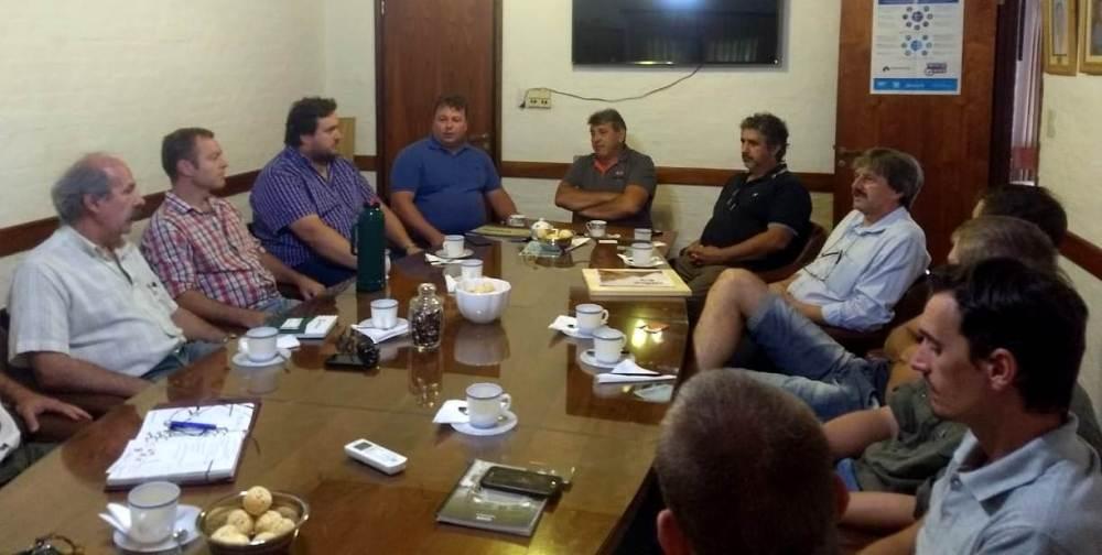 Nación promueve la integración de negocios madereros entre muebleros catarinenses con aserraderos de Misiones