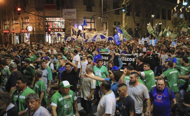 Enero caliente: CTA y Camioneros se movilizan para una marcha contra el tarifazo del gobierno de Macri