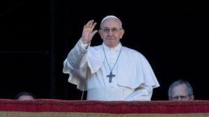 El Papa Francisco presentó una nueva aplicación e invitó a los jóvenes a descargarla