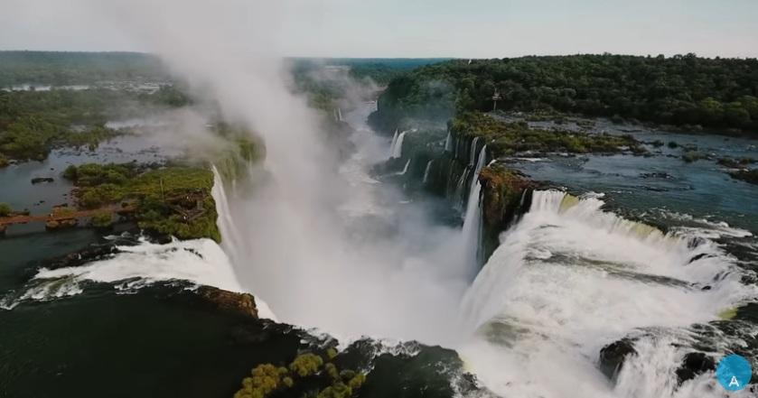 Campaña promocional invita a turistas españoles a «empaparse de energía» en las Cataratas del Iguazú