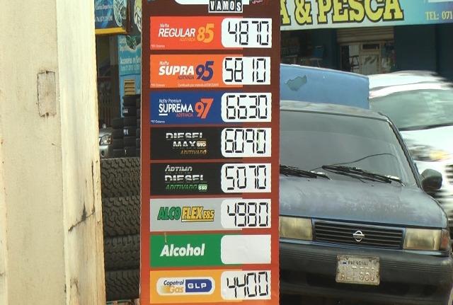 El combustible bajó en Paraguay: el litro de gasoil cuesta $2,62 menos que en Posadas y la nafta sale 1,14 más barata