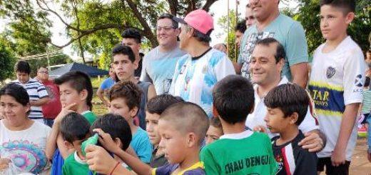 El vicegobernador, Oscar Herrera, participó de actividades recreativas en la chacra 246 de Posadas
