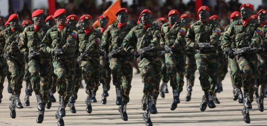 Militares rusos viajan a Venezuela para proteger a Maduro y crece la tensión con Estados Unidos
