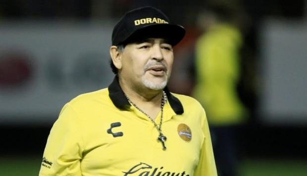Maradona ya fue dado de alta, pero tendrá que ser intervenido quirúrgicamente