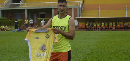 Fútbol: Crucero del Norte sumó su segundo refuerzo para la Reválida y la Copa Argentina