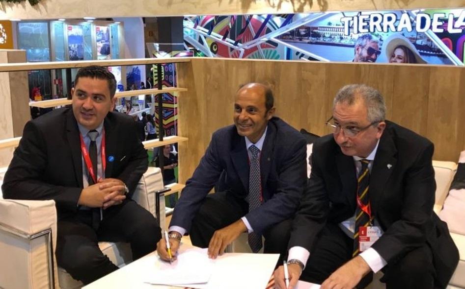 El ministro de Turismo busca generar nuevas estrategias comerciales con varios países europeos