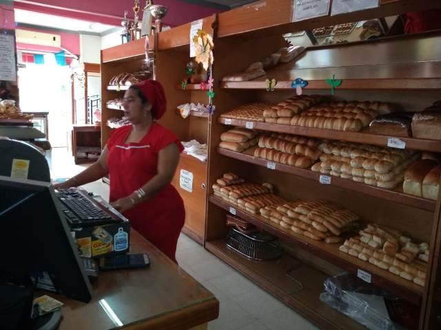"""Efecto inflación en Posadas: """"La gente suele comprar medio kilo de pan cuando antes llevaba dos"""""""
