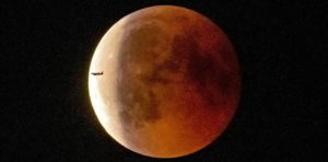 El eclipse de Luna atrajo la mirada del mundo entero