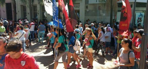Organizaciones sociales marcharon en Posadas contra el tarifazo nacional