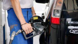 YPF baja el precio de los combustibles desde este lunes