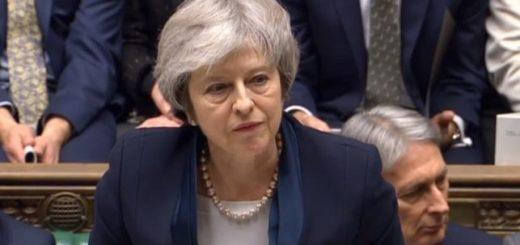 Brexit: Theresa May logró superar una moción de censura del Parlamento británico