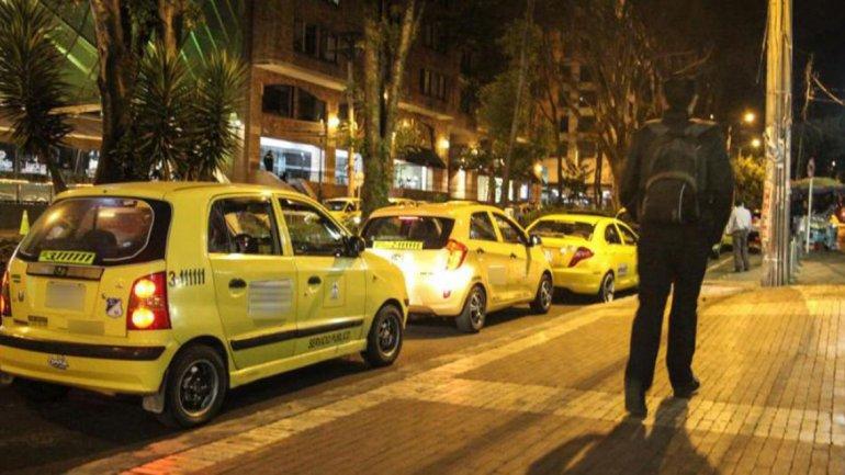 Subieron al taxi a un amigo «borracho» pero en realidad estaba muerto
