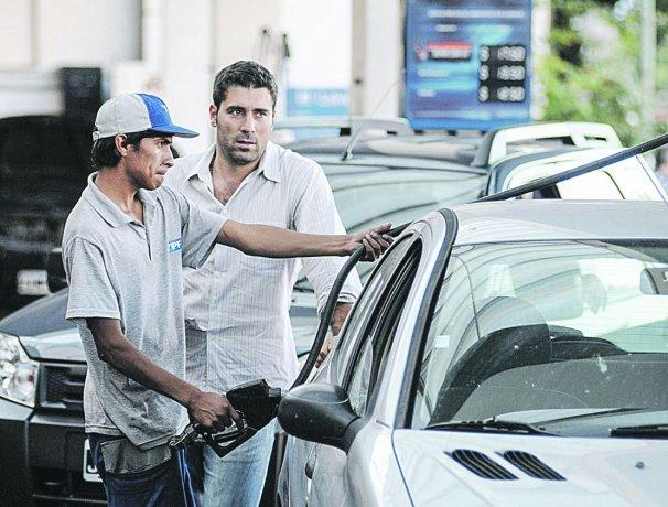 YPF aumenta 2,8% sus combustibles a partir de hoy