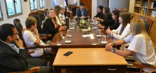 """Miembros del STJ se reunieron con integrantes del Colectivo """"Juntas contra la violencia"""""""