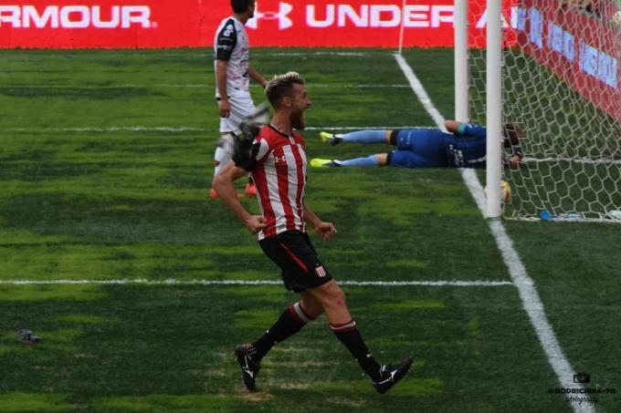 Superliga: el misionero Jonathan Schunke fue elegido el mejor defensor de la fecha