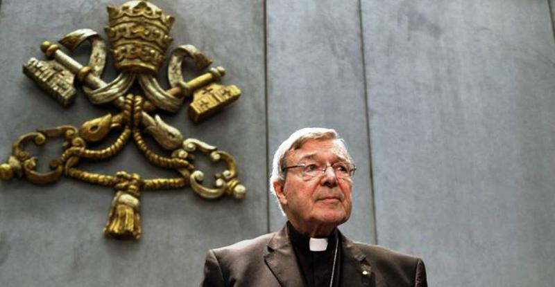 El Papa suspendió del ejercicio sacerdotal al cardenal Pell, tesorero del Vaticano condenado por abuso