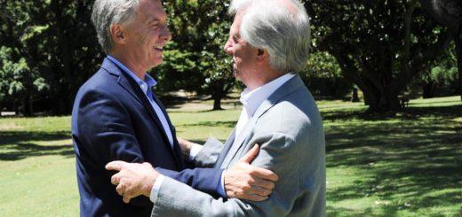 """Mauricio Macri y Tabaré Vázquez se reunieron en Uruguay y pidieron elecciones """"libres y creíbles"""" en Venezuela"""