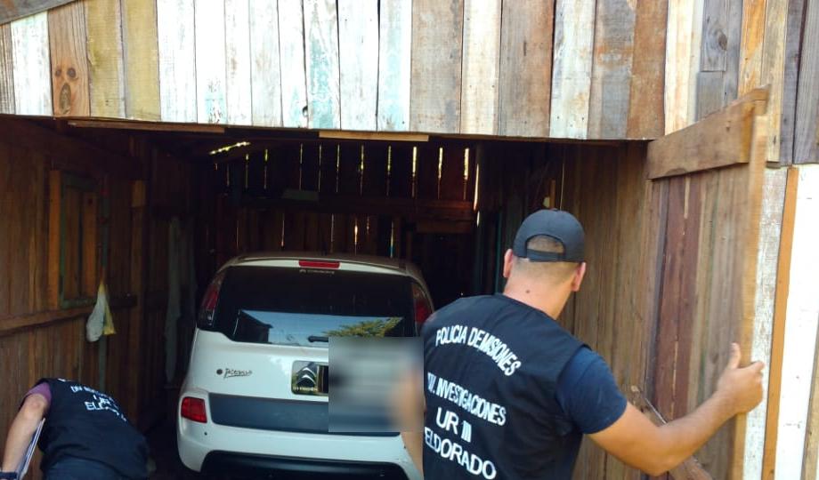 Eldorado: la Policía allanó un precario «aguantadero» y encontró un lujoso vehículo presuntamente para uso delictivo