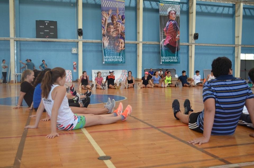 Atletismo: la Federación Misionera realiza  un campus de entrenamiento en el CePARD