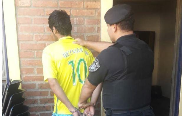 Posadas: intentó robar en una casa, en la huida atacó con un destornillador a un policía y fue detenido