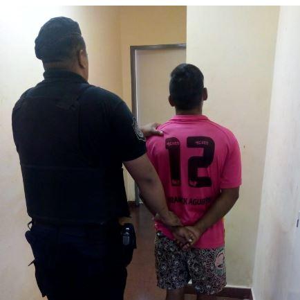 Posadas: policías detuvieron a un joven por violencia de género en el barrio A- 4