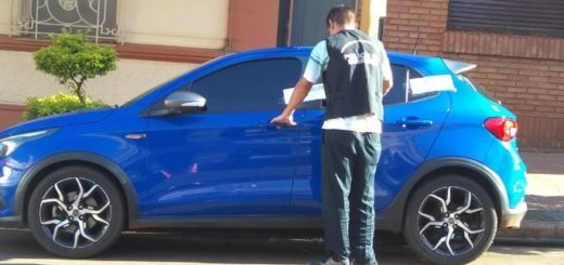 En Posadas, la Policía secuestró un auto y varios elementos robados: hay un detenido