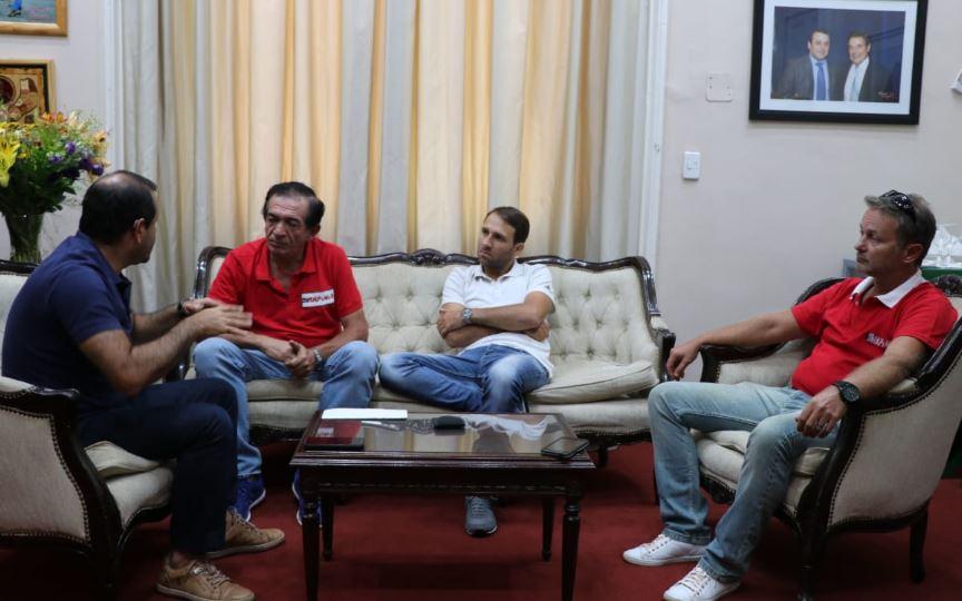De cara a la realización del Sudamericano, Oscar Herrera Ahuad entregó subsidios y mostró su apoyo al rally misionero