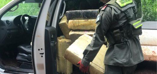 """En el operativo """"Camioneta Narcótica"""", Gendarmería incautó más de mil kilos de marihuana en San Ignacio"""