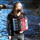 Chango Spasiuk dará un concierto en la Cruz de Santa Ana