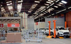 La estadounidense Ford confirmó que cerrará fábrica en Brasil y la decisión afectará al mercado de concesionarias argentinas
