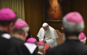 """Sobrevivientes de abusos de la Iglesia de la Argentina definieron al Vaticano como un """"estado genocida"""" tras la cumbre mundial en Roma"""