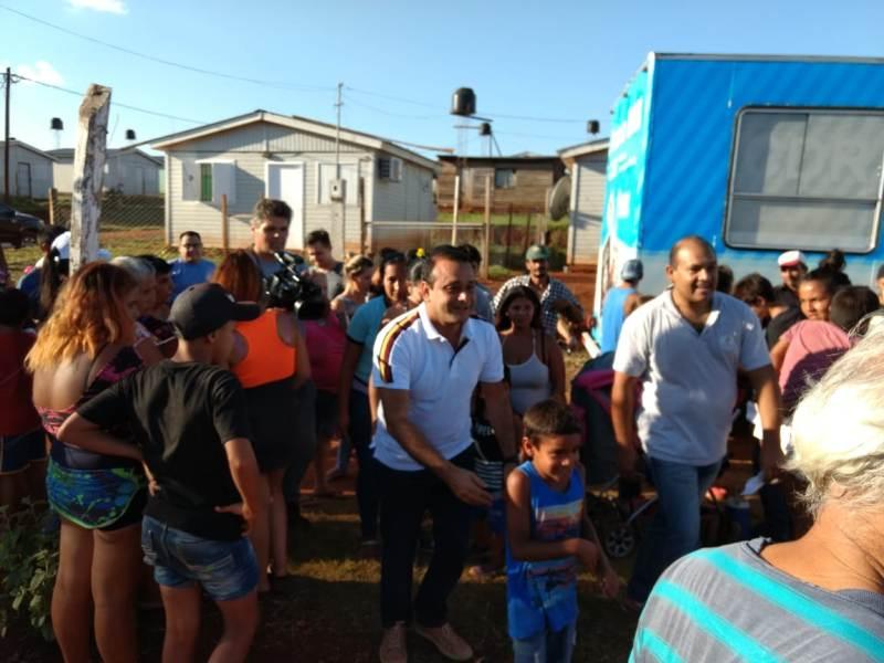 El vicegobernador Oscar Herrera Ahuad participó del operativo «Barrios Activos» en el barrio Néstor Kirchner