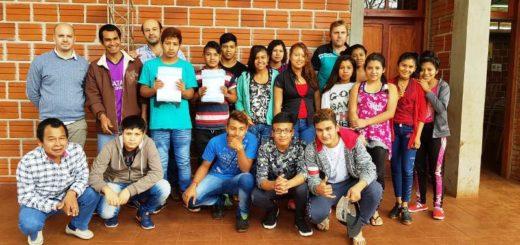 Alumnos de comunidades Mbyá Guaraní recibieron documentación para acceder a la beca escolar