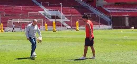 El misionero Martín Benítez y el lujo que se dio al pelotear con Bochini tras la práctica de Independiente
