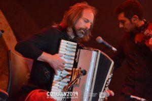 El Chango Spasiuk deslumbró en Cosquín, a 30 años de su primera presentación en el festival de folklore