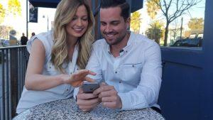 """Relaciones amorosas: """"hasta que las redes sociales los separen"""""""