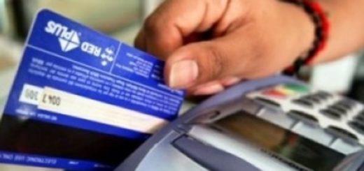 El Gobierno eliminó el reintegro del 15% a jubilados en las compras con débito