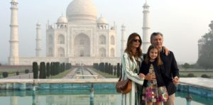 El presidente de Argentina, Mauricio Macri llegó a la India y visitó el Taj Mahal, una de las Siete Maravillas del Mundo